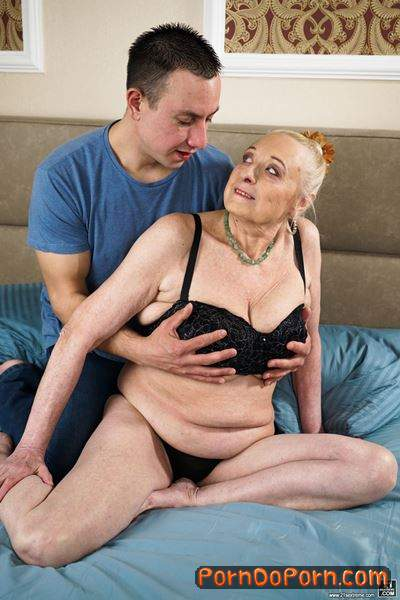 Sila, Rob starring in Look At Those Tits! - LustyGrandmas, 21Sextreme, 21Sextury (FullHD 1080p)