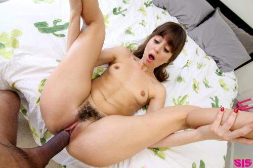 Riley Reid starring in Playing House With My Step Sister - BrattySis (SD 360p)